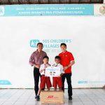 Rangkul SOS Children's Villages, J&T Express Salurkan lebih dari 1.000 Seragam SD di Indonesia