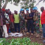 Ex-Combatant Kembali Serahkan Delapan Senjata AK-47 dan Amunisi ke Satgas TNI Konga XXXIX-A RDB MONUSCO di Kongo