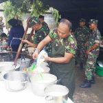 500 Prajurit TNI Bantu Bersihkan Sampah Sisa Banjir di Cibitung