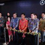 Mercedes-Benz Meresmikan Diler Kendaraan Penumpang Baru PT Kumala Bintang Cemerlang di Makassar