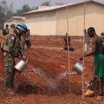 Satgas Kizi TNI Konga XXXVII/F Minusca Ajarkan Metode Berkebun dan Bercocok Tanam di Republik Afrika Tengah