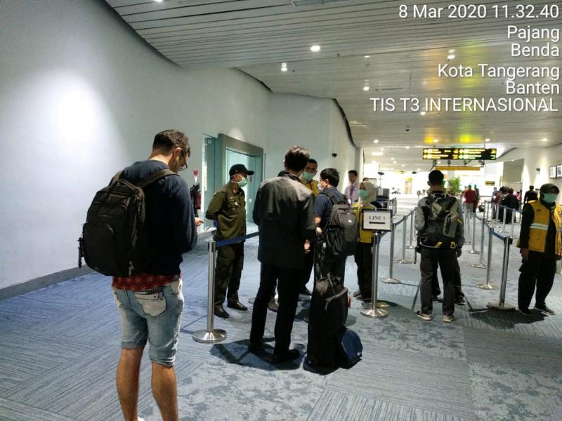 Kebijakan Tambahan Berlaku Hari Ini, Bandara Soekarno-Hatta Siapkan Jalur Khusus Bagi Penumpang dari 4 Negara 1