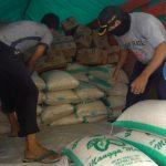 Pelindo III Salurkan Bantuan Sembako Bagi Korban Banjir Gresik