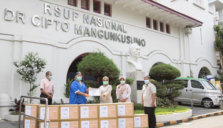 APD Institusi Kesehatan Masih Terbatas, JEC Distribusikan 275.000 Masker Bedah 1