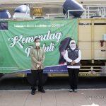 Lawan COVID-19: Sambangi Kota Pahlawan, Mendag Salurkan Alat Kesehatan Kepada Pemprov Jawa Timur