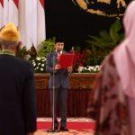 Presiden Lantik Anggota Dewan Pimpinan Pusat dan Dewan Pertimbangan Pusat LVRI