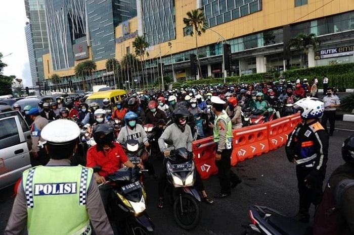 Urai Kemacetan di Masa PSBB Transisi, Polda Metro Jaya Terjunkan 1.728 Personel 1