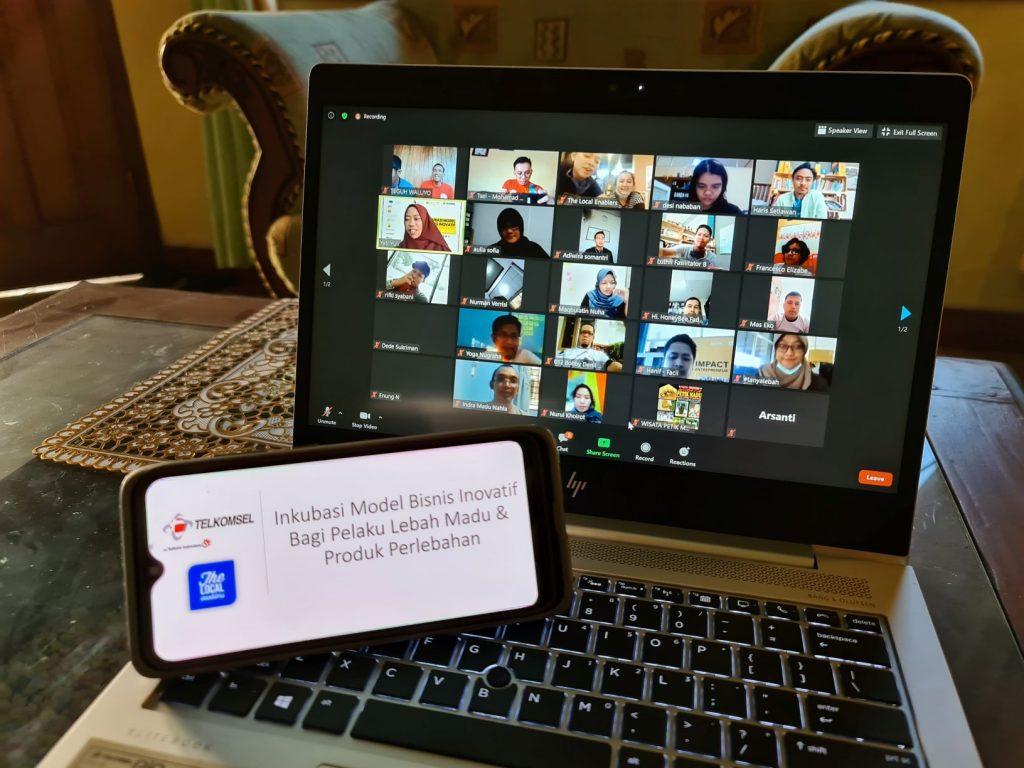 Telkomsel Bantu Hadirkan Program Inkubasi Bisnis Inovatif Perlebahan di Indonesia 1