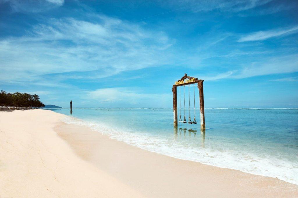 Kulik Kembali Keelokan Lombok Bersama AirAsia 1