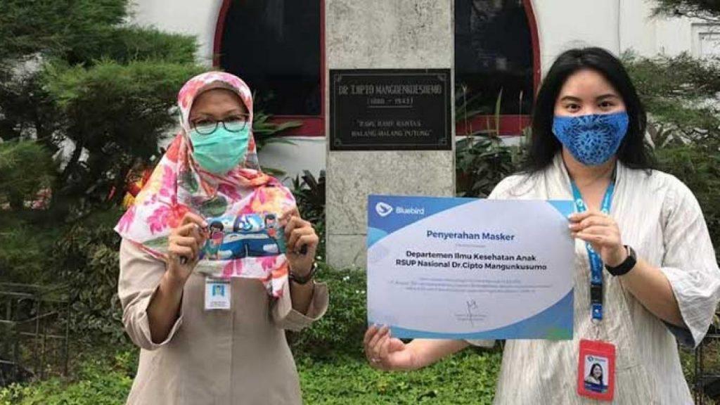 Melalui Program BirdBagiMasker, Bluebird Bagikan Ribuan Masker kepada Anak Anak Indonesia 1