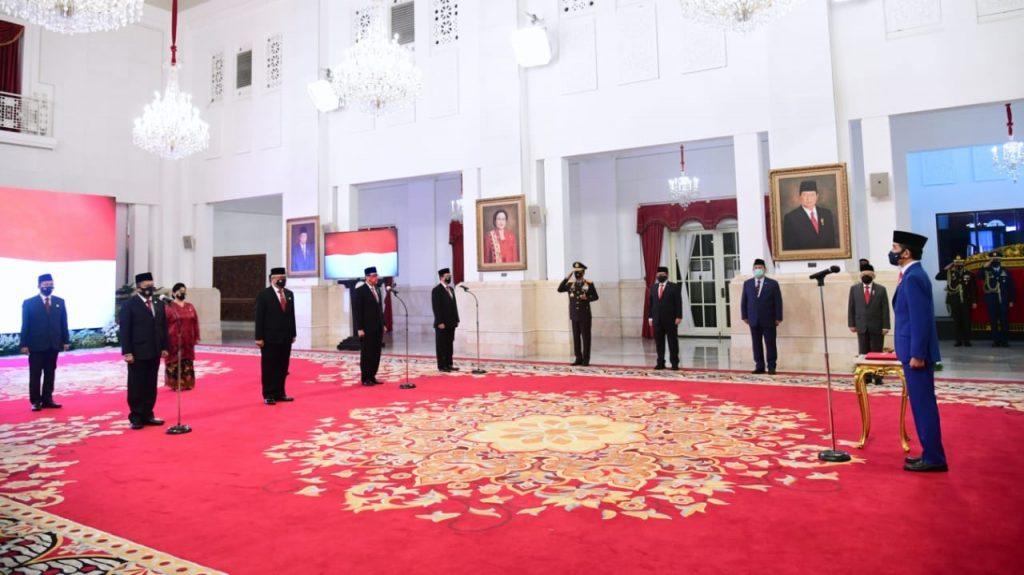 Presiden Jokowi Lantik Anggota Kompolnas 2020-2024 1
