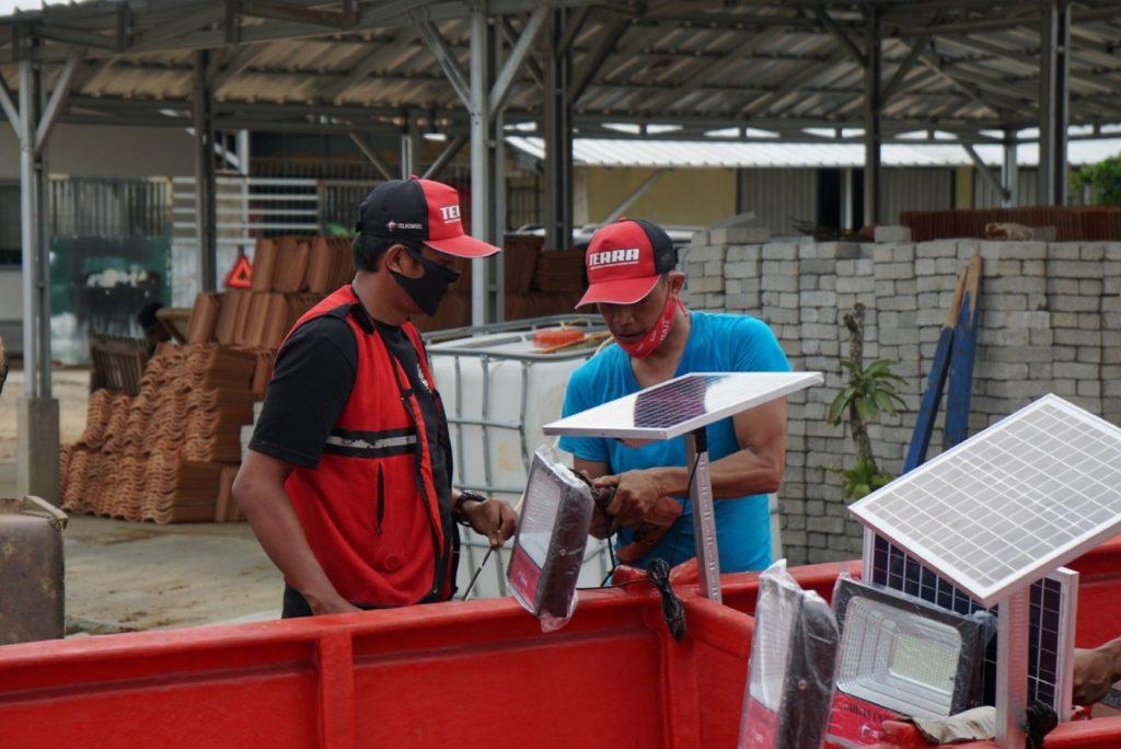 Telkomsel Bersama Kementerian Kelautan dan Perikanan Serahkan Bantuan 10 Kapal & Digitalisasi Para Nelayan untuk Dorong Bangkitnya Ekonomi Pandeglang 3