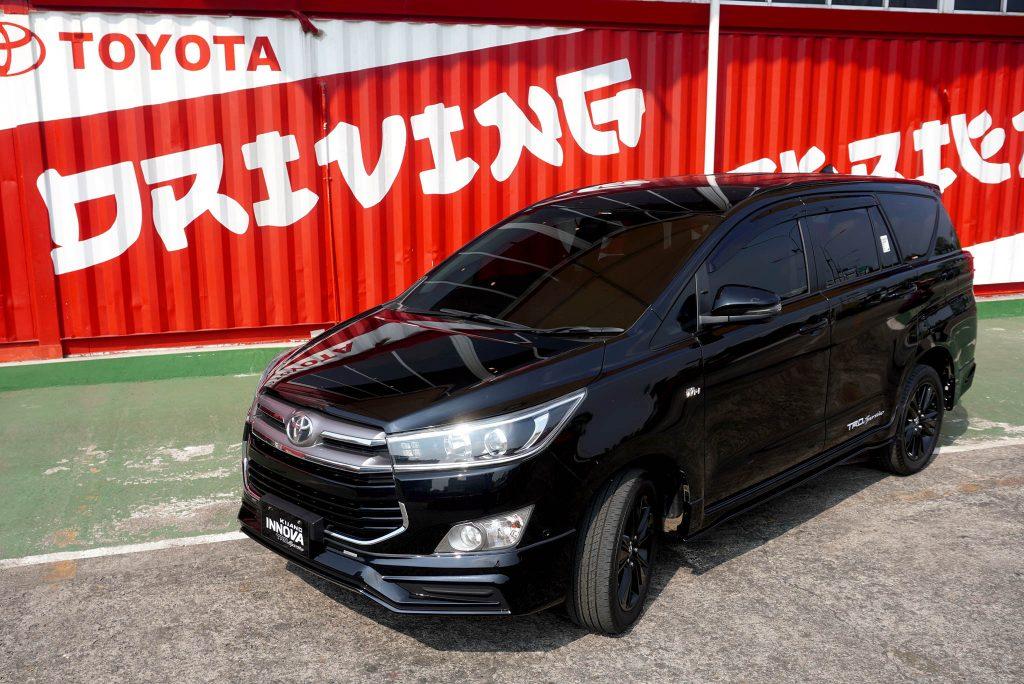 Peringati 75 Tahun Indonesia Merdeka Toyota Luncurkan Kijang Innova TRD Sportivo Limited dan Sienta Welcab 2