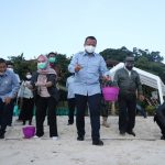 Awali Kunjungan ke Maratua, Menteri Edhy Lepasliarkan 300 Ekor Tukik