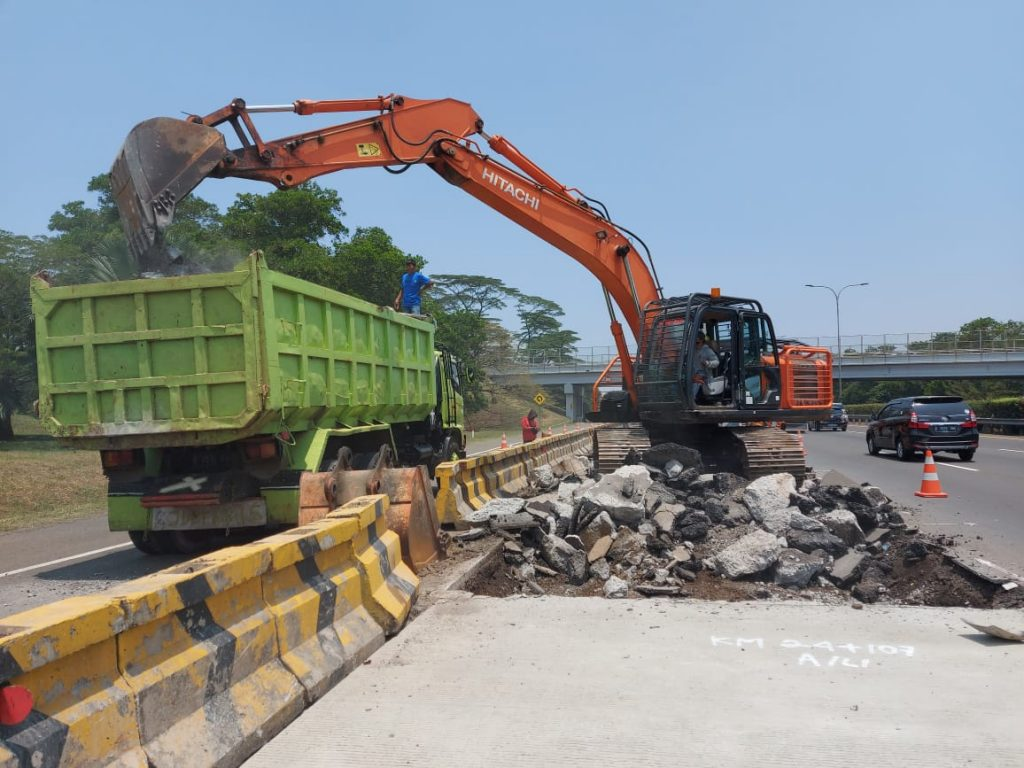 Pekerjaan Pemeliharaan dan Rekonstruksi Jalan Tol Jagorawi Kembali Dilanjutkan Sepanjang 234,2 Meter 1